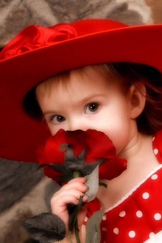 Rouge ... belle image  ... fillette