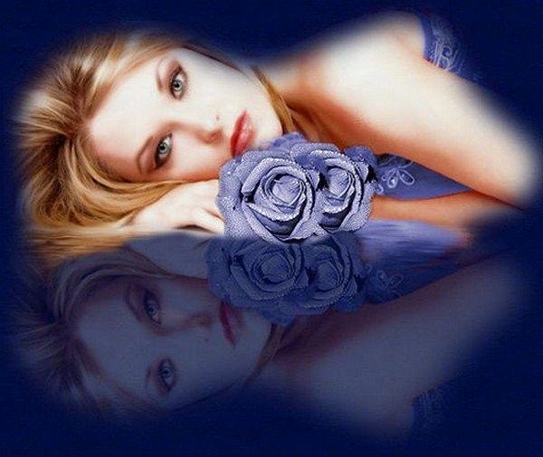 Bleu ... femme et roses